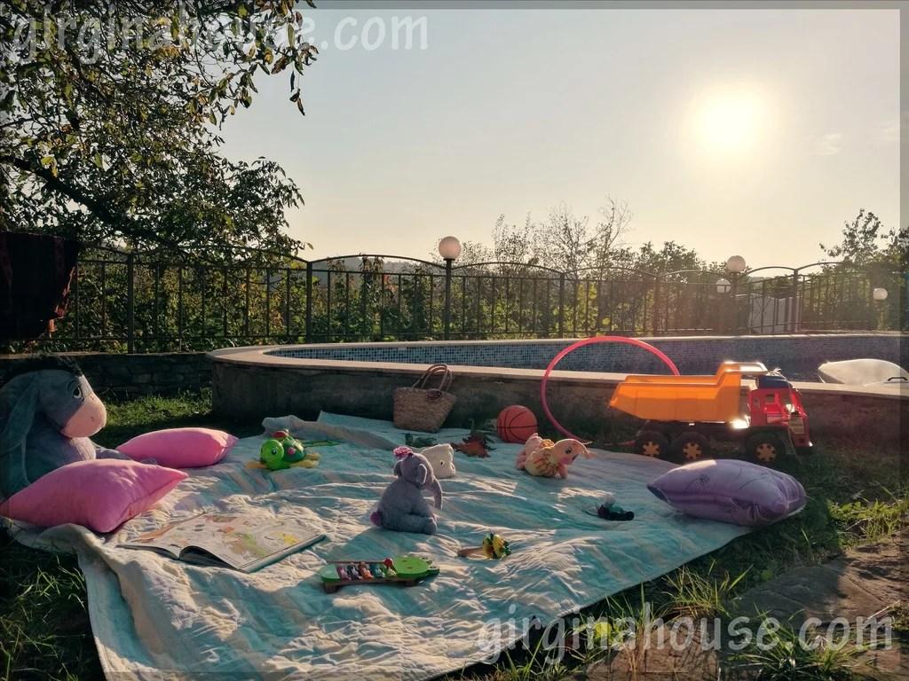 Кът за деца при басейна