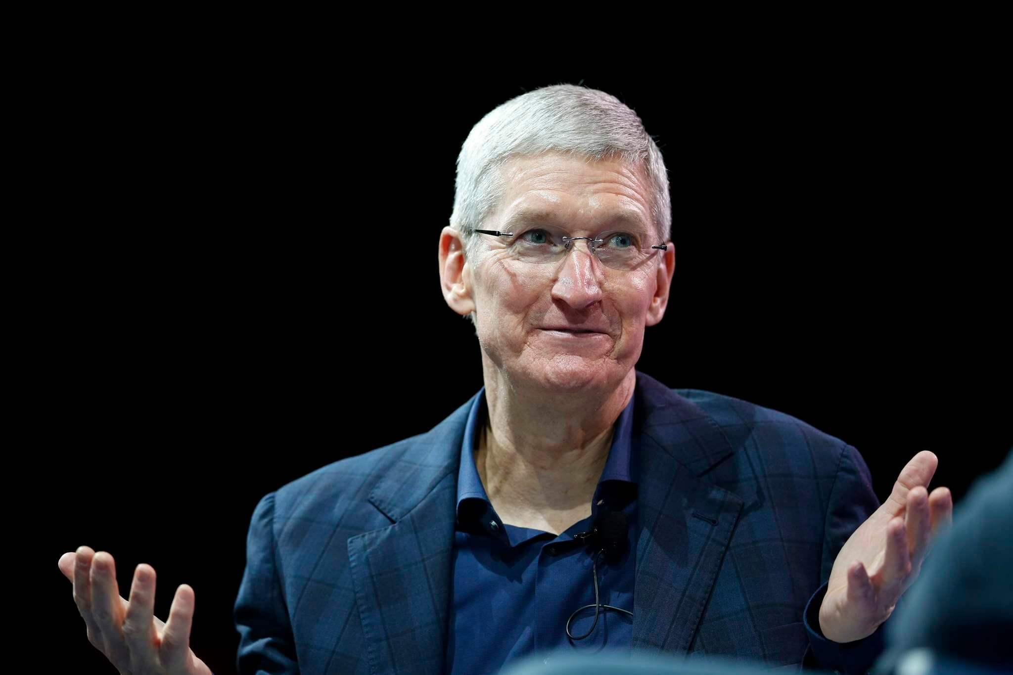 Apple CEO'su Tim Cook İtiraf Etti: Yapay Zeka Yazılımlarıyla Sizi Zaten İzliyoruz!
