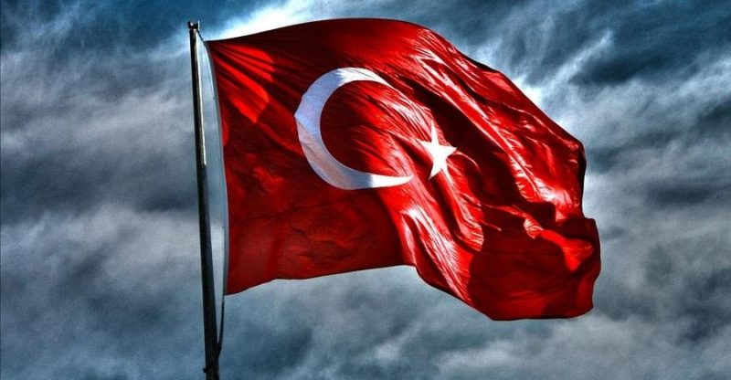 Türkiye'den Kaçmalı Mıyız?