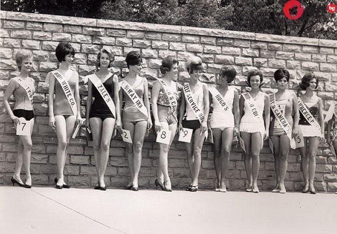 Когато фотошопът още го нямаше: Каталог на Виктория Сикрет от 1979!