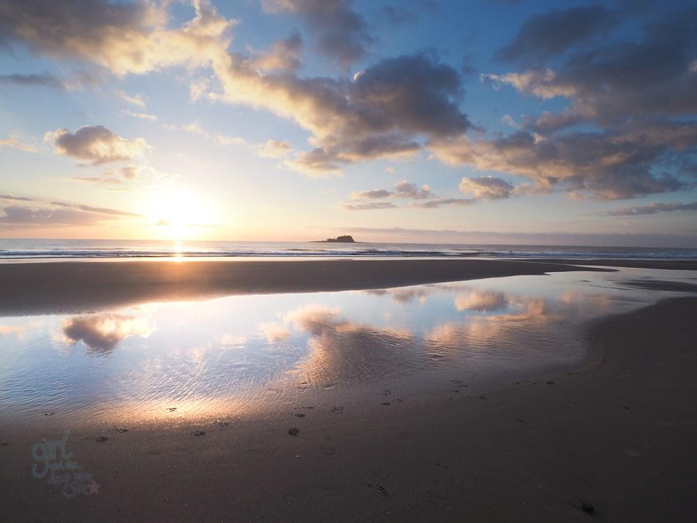 mudjimba_sunrise_reflection