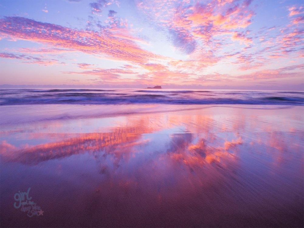 Mudjimba Beach sunrise photo by Anna Markula
