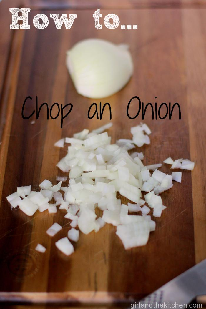 How to cut an onion from the girl and the kitchen
