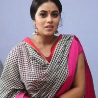 Bangladeshi Sexy & Hot Boobsy Real Life Milky Bhabi Girl 'Nabila Mahbub' Super Salwar Kameez Photo