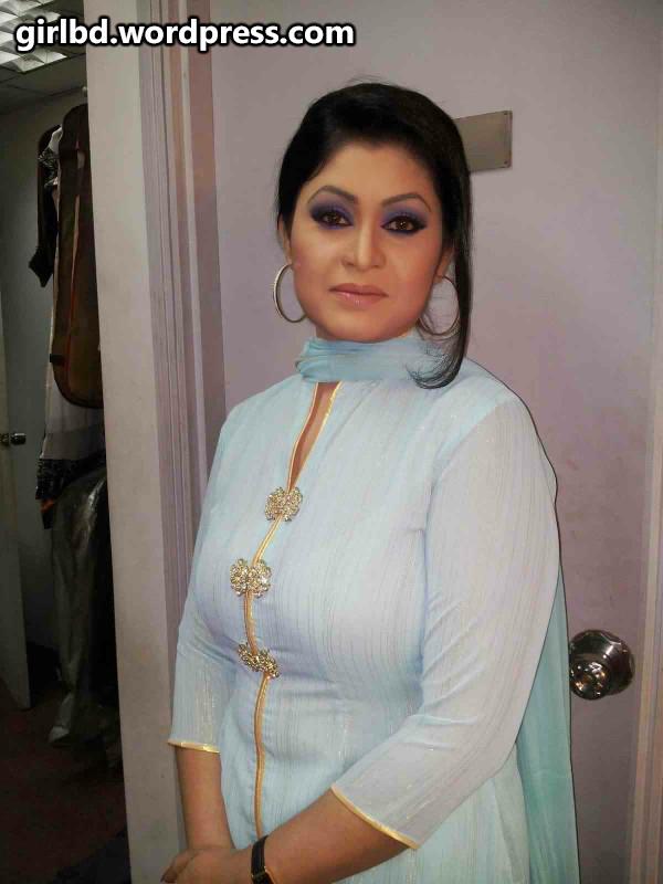 Saree Wali Girl Wallpaper Bangladeshi Hot Amp Sexy Boobsy Real Life Bhabi Rima Jamal