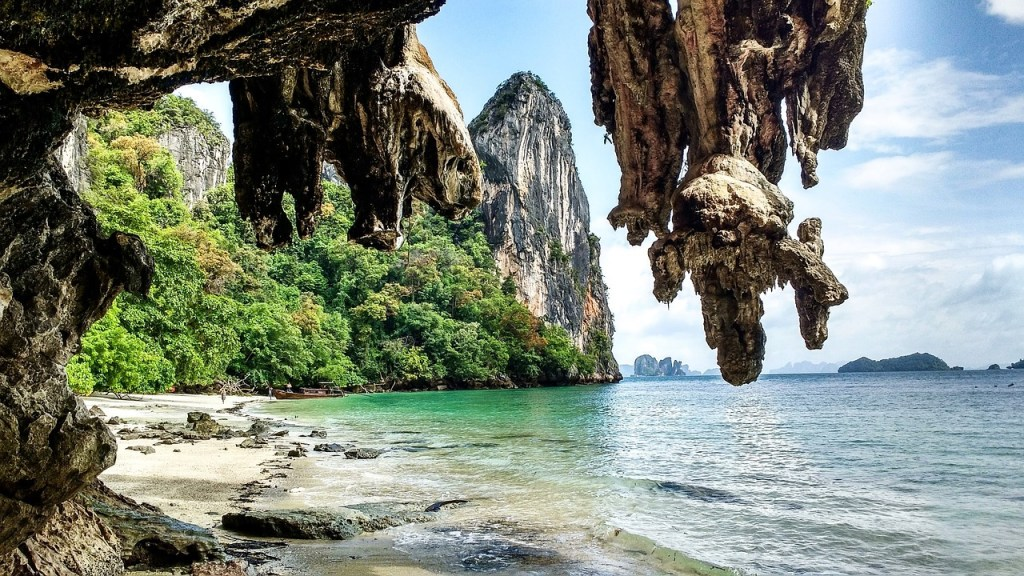 Koh Yoa Noi is the best place to go rock climbing in Thailand!