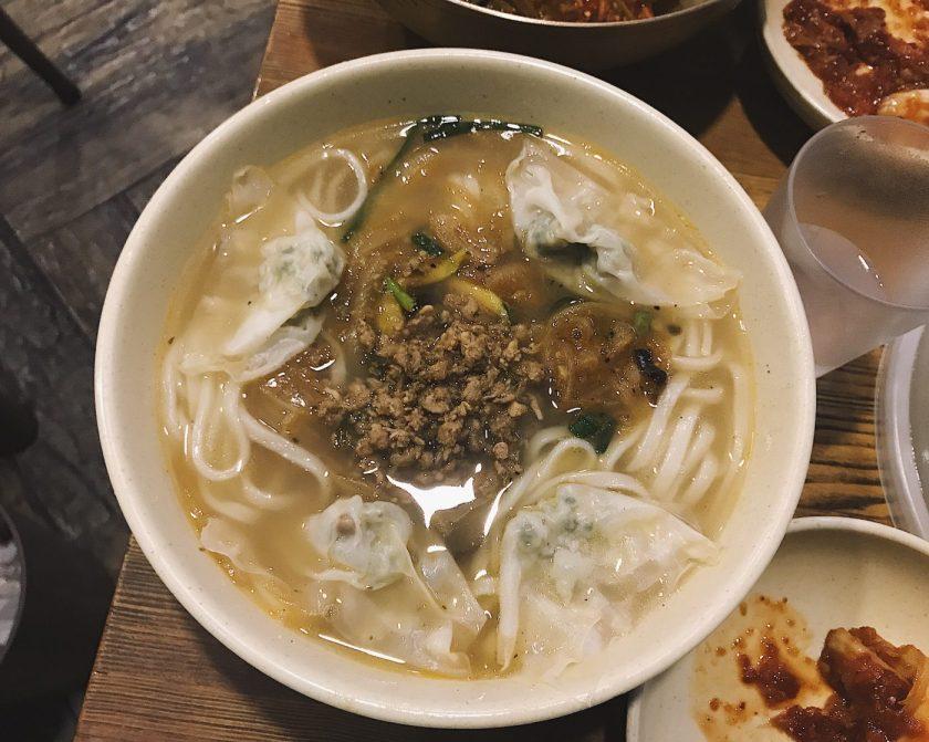 Kalguksu at Myeongdong Kyoja