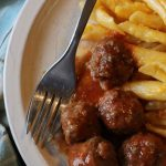 Barbeque Meatballs with Macaroni and Cheese