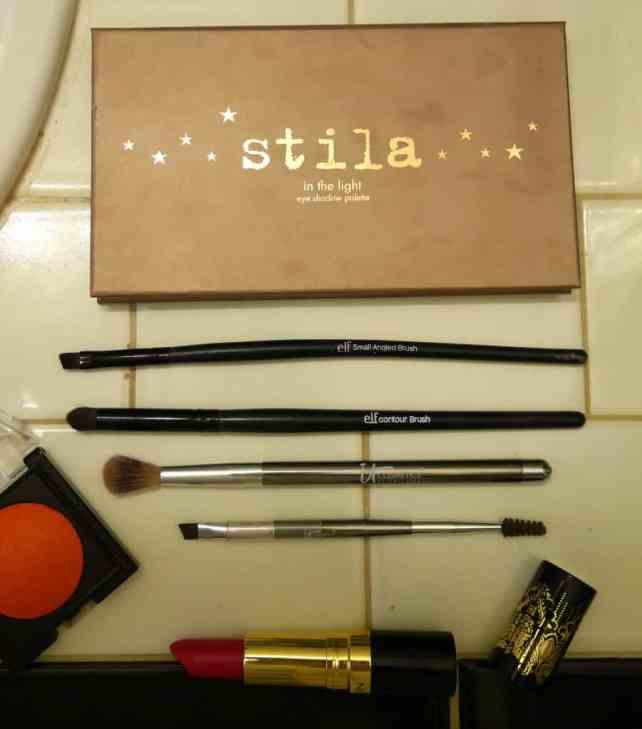 how-to-wear-red-lipstick-makeup-tutorial.jpeg