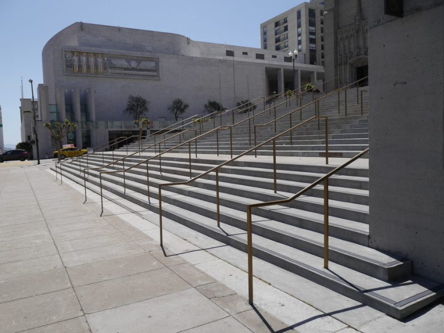 Love these sweeping steps leading up to Grace Cathedral.