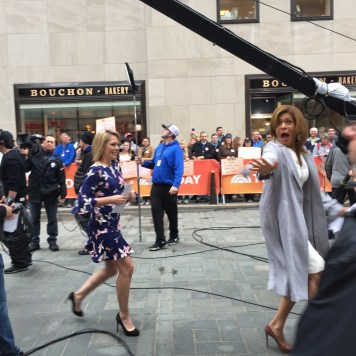 Hoda waving at Adalyn