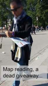 What not to wear Paris - map reader