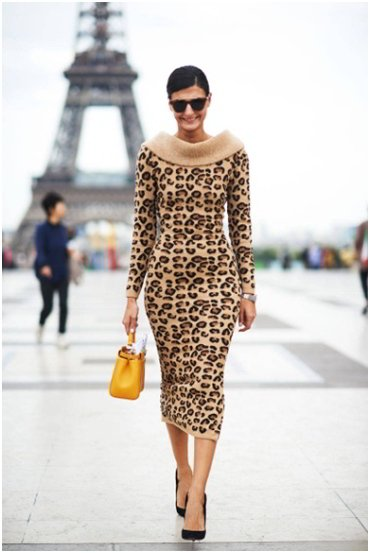 Tourists Beware - What NOT to Wear in Paris