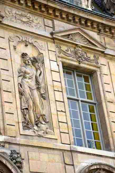 Hotel de Sully Paris
