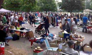 French holidays in May - vide grenier lamanon