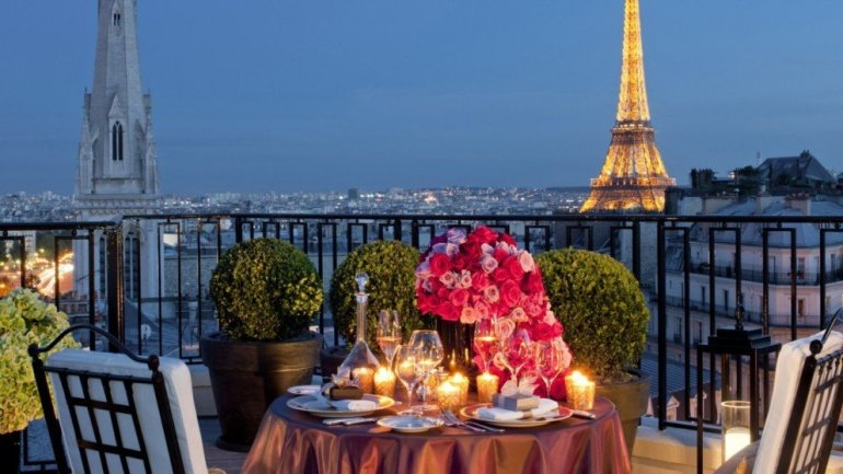 The Perfect Parisian Valentine's Day