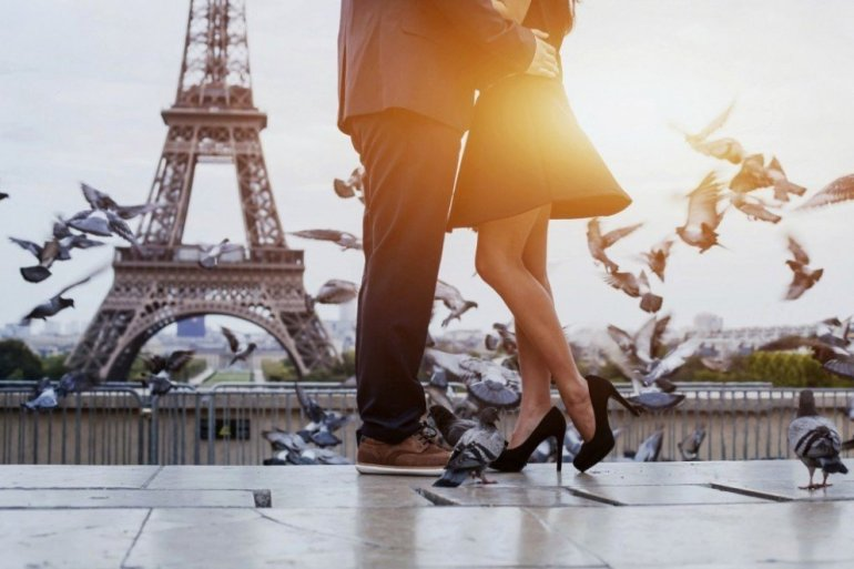 French Champagne - Romance in Paris