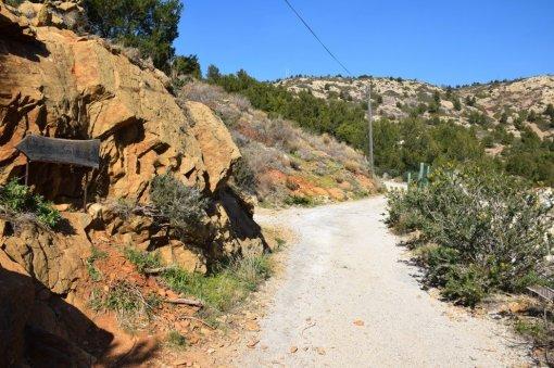 Provence's Blue Coast - road to Calanque de Figuieres
