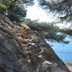Provence's Blue Coast - slippery rocks