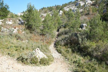 Provence's Côte Bleue - shortcut back up to main road