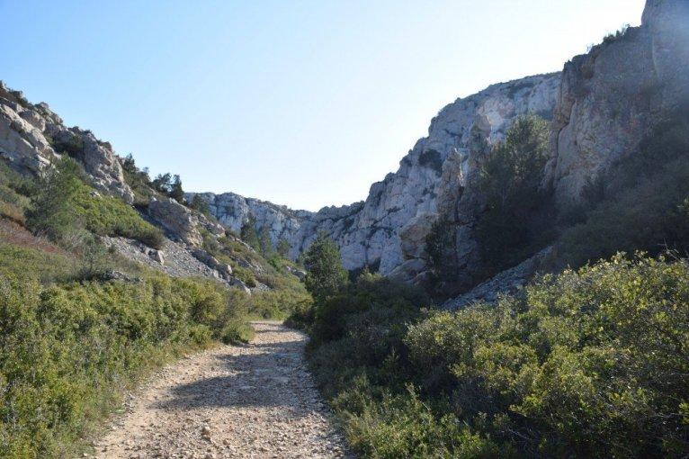 The Côte Bleue - Provence's Côte Bleue - trail to Calanque d'Erevine from dirt road
