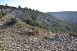 Provence's Côte Bleue - gravel path towards shortcut to Calanque d'Erevine