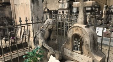 Witches in Provence - Tombstone