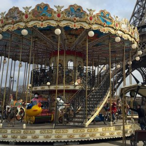 Silent Sunday - Paris - Le Carrousel - Eiffel Tower