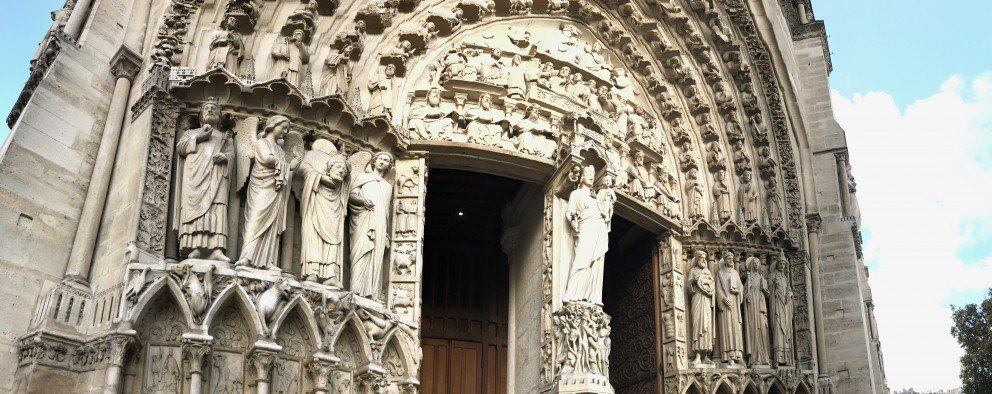 Honoring Notre-Dame-de-Paris - Front facade