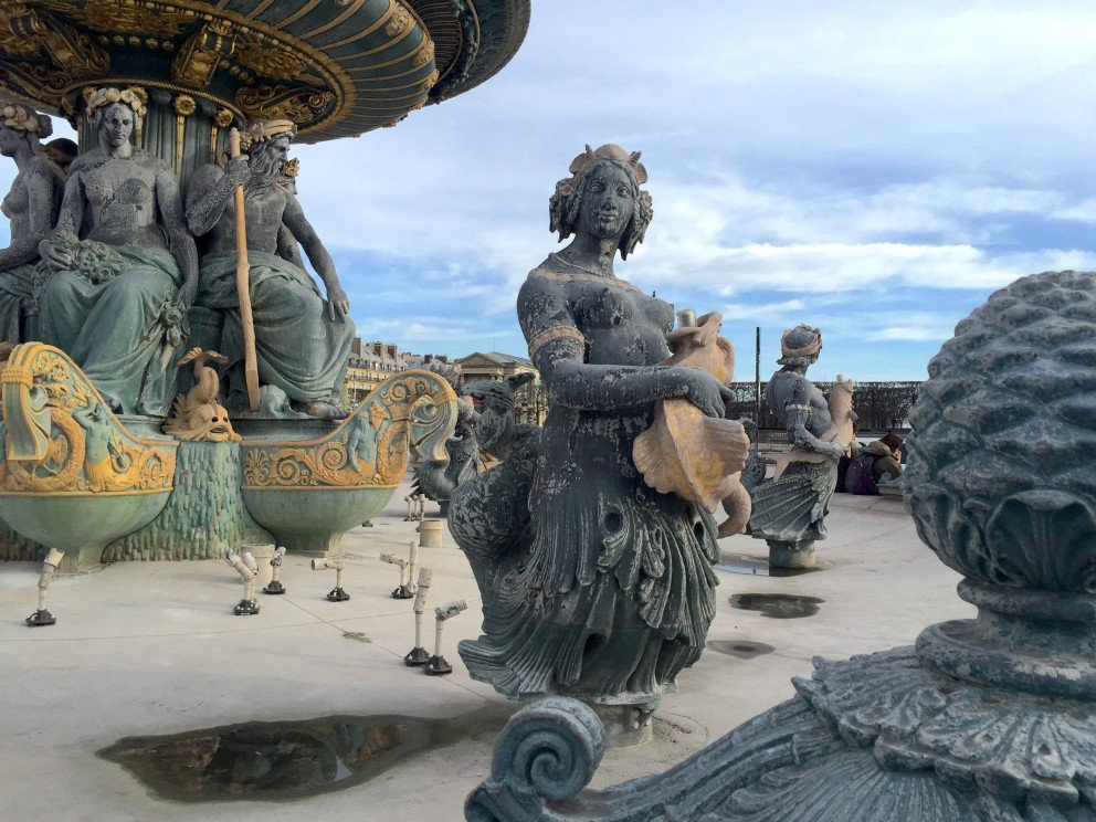 Silent Sunday - Paris - Place de la Concorde - fountain
