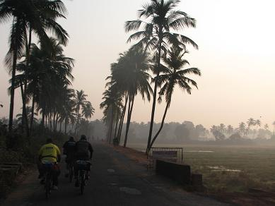 YHAI cycle expedition takes an early start out of Assolna, Goa