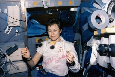 Dr Roberta Bondar in Space (with some Girl Guide Cookies)