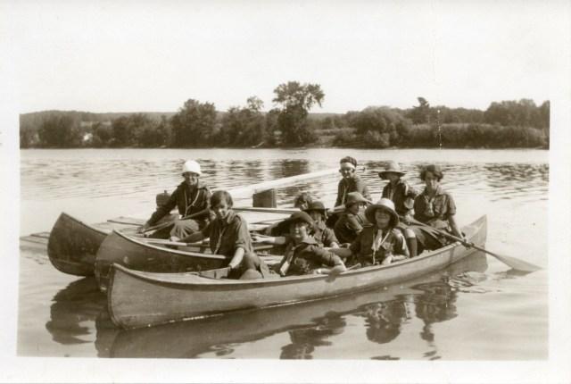 Canoeing, 1939. Photograph courtesy of Miss Harvey.
