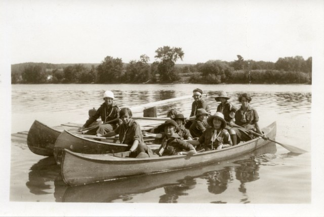 Canoeing, 1939. Photograph courtesy of Miss Harvey.