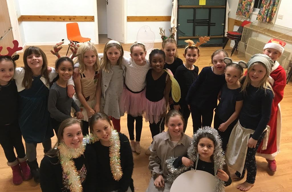 Bathford Brownies' Christmas Play and Pantomime Trip