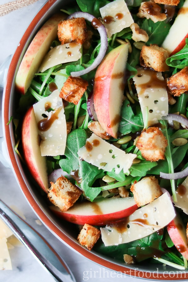 Apple and Gouda Mixed Green Salad - girlheartfood.com