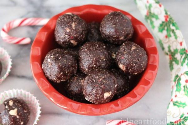 No Bake Peppermint Chocolate Snack Bites - girlheartfood.com
