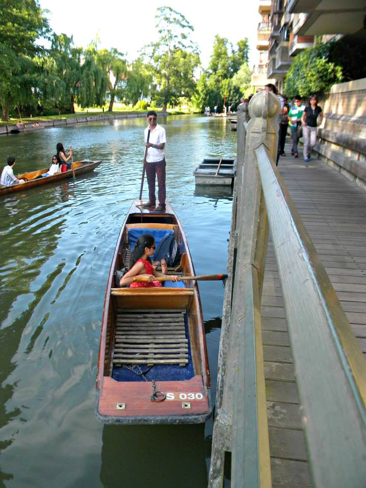 punting-on-river-cam-cambridge-2