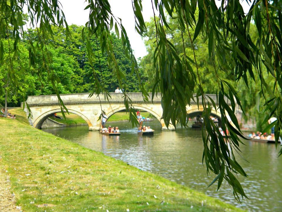punting-river-cam-cambridge