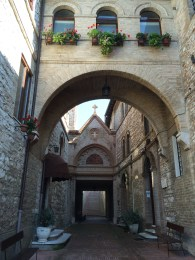 Arch in Assisi