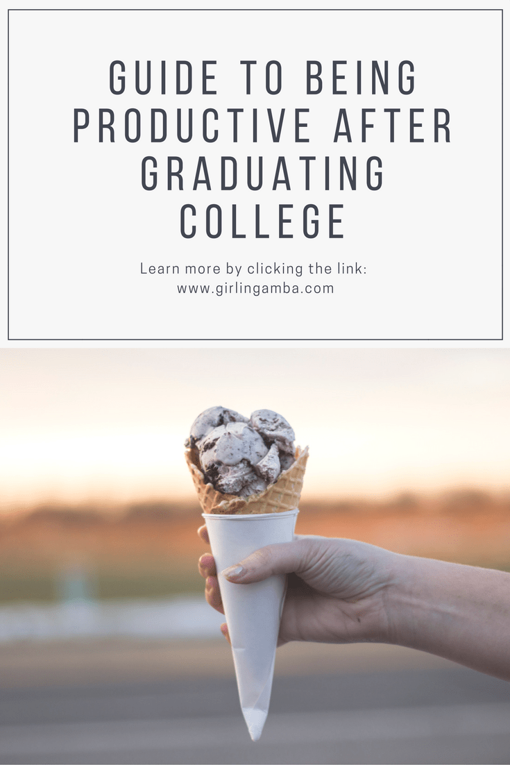 Graduating college is a big step! Here's a few things you can do after you've graduated. Pin for later!