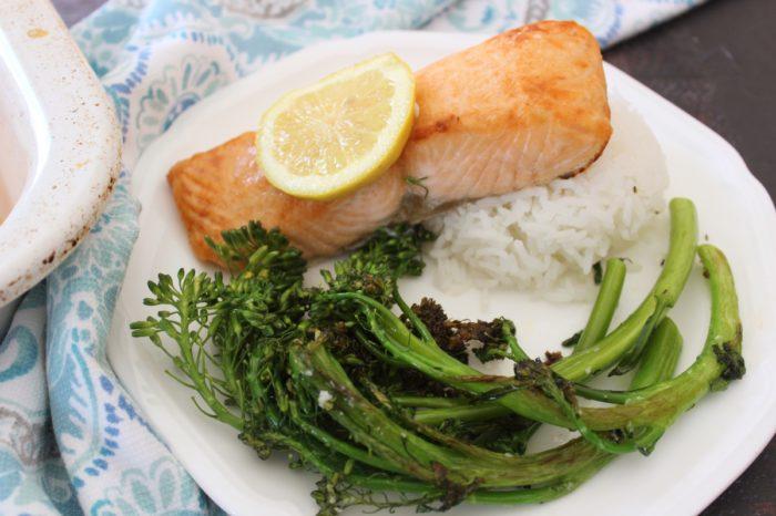 Basic Broiled Salmon, Rice and Veg