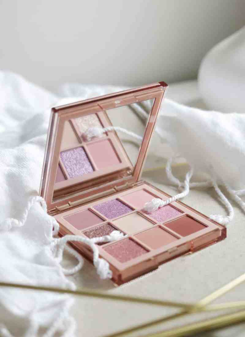 Huda Beauty Nude Obsessions Light Palette