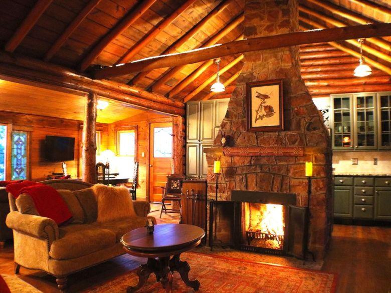 Fox Hollow Cabin in Wisconsin