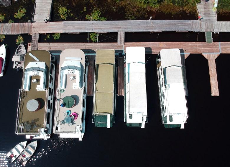 Houseboats at Rainy Lake Houseboats