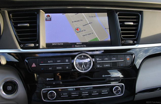 Kia K900 nav and other tech