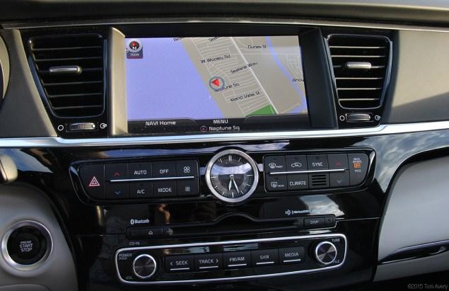 Kia K900 nav and other tech