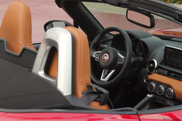 2017 Fiat 124 Spider Launch Lusso interior