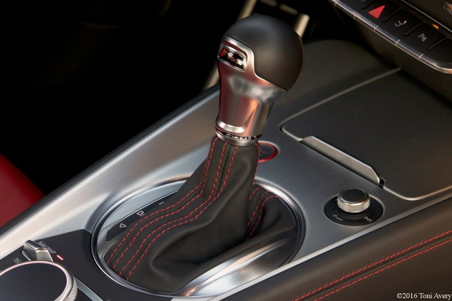 2016 Audi TTS Coupe gear shifter