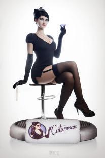 dc_bombshells_catwoman_trisha_Layons_01